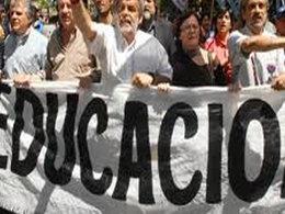 imagen del contenido Miércoles 13: Paro de 24 horas en escuelas, liceos y UTU, con manifestación en 18 de Julio