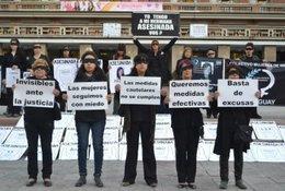 imagen del contenido Mujeres de Negro marchan contra la violencia doméstica