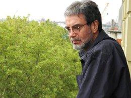 """imagen del contenido Sandino Núñez: """"Todos nacemos estúpidos, pero con la potencia de dejar de serlo"""""""