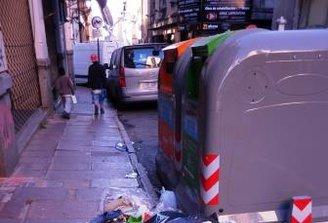 """54% de los montevideanos """"culpan a sus vecinos"""" por la basura acumulada"""