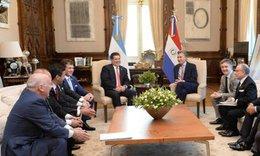 imagen del contenido Macri, Tabaré Vázquez y Cartes se reunirán en Buenos Aires con Gianni Infantino