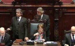 imagen del contenido Por unanimidad y en silencio la Asamblea General aceptó renuncia de Sendic y Topolansky asume en su lugar