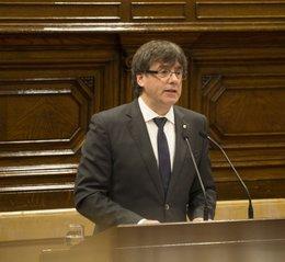 imagen del contenido Puigdemont declara independencia de Cataluña y la deja en suspenso