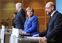 imagen del contenido Líder socialdemócrata no asumirá en gabinete de Merkel
