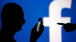 """imagen del contenido Facebook """"dio acceso"""" a los datos de sus usuarios, al menos a 60 empresas, entre ellas Samsung y Apple"""