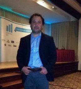 """imagen del contenido Experto chileno Andrés Silva: La tecnología """"produjo un aumento de la interacción entre las personas"""""""