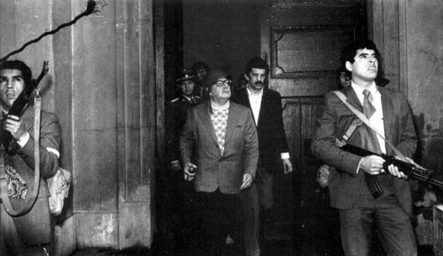 """imagen de Las últimas palabras de Salvador Allende: """"El castigo moral para los que han traicionado el juramento que hicieron"""""""