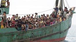 imagen del contenido La violencia expulsa a miles de rohinyás de Birmania