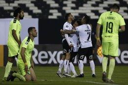 imagen del contenido Peñarol logró ir en ventaja pero cayó 2-1 con Colo Colo, tras un complemento para el olvido