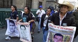 """imagen del contenido Fiscalía de Peña Nieto """"evitó"""" analizar restos hallados de un estudiante de Ayotzinapa"""
