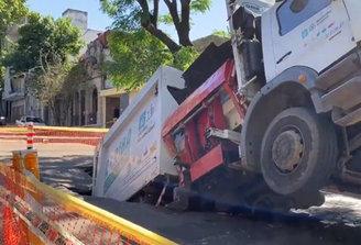 Sobre hundimiento de camión recolector de la IM