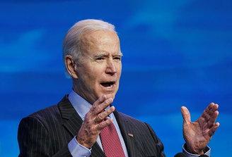 """Biden anuncia plan para brindar """"asistencia financiera directa y alivio a los estadounidenses"""" y frenar el Covid"""
