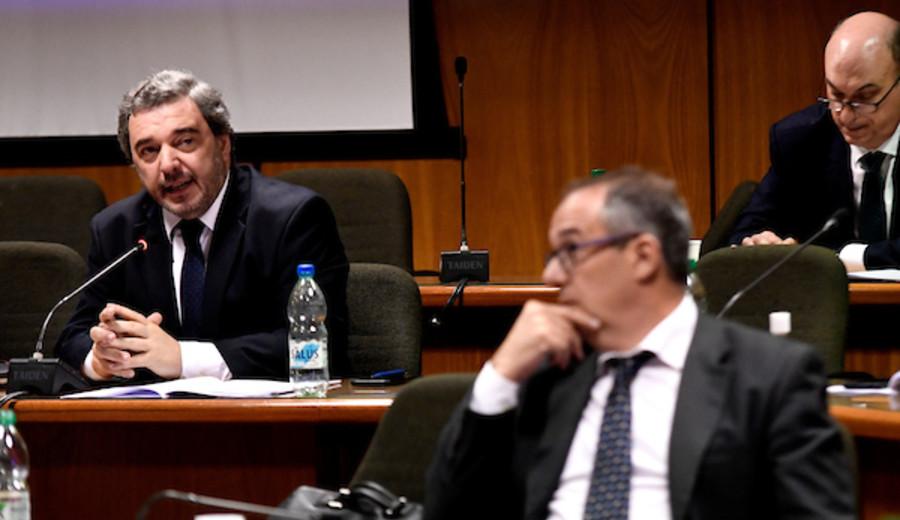 "imagen de FA: Sectores buscan ""rearmar el ala seregnista"""