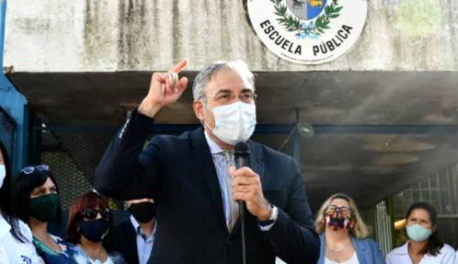 imagen de Presidente del CODICEN y otras autoridades de la educación con coronavirus
