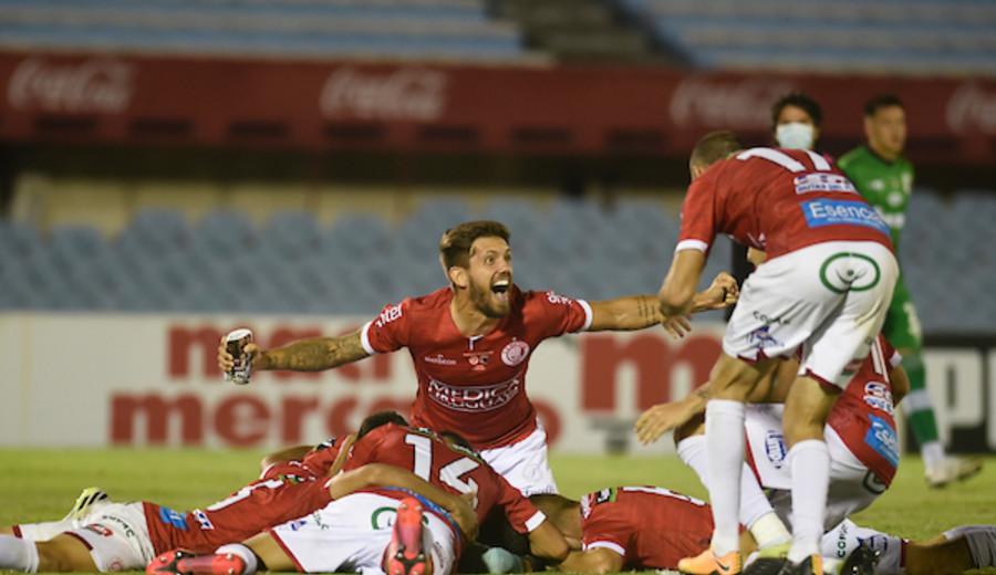 imagen de Rentistas jugará la final del Uruguayo al derrotar a Liverpool 3-2 en definición por penales