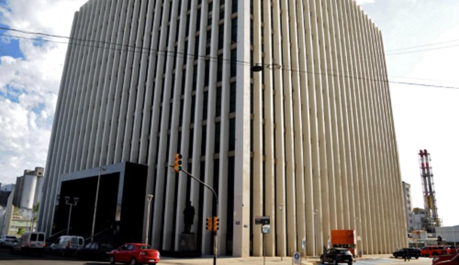 imagen de UTE firmó acuerdo por U$S 191 millones para construcción de cierre de anillo de transmisión del norte