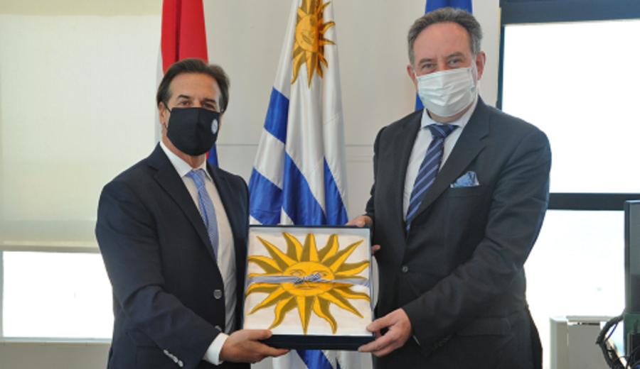 imagen de Lacalle Pou entregó cartas credenciales a embajador uruguayo en Cuba