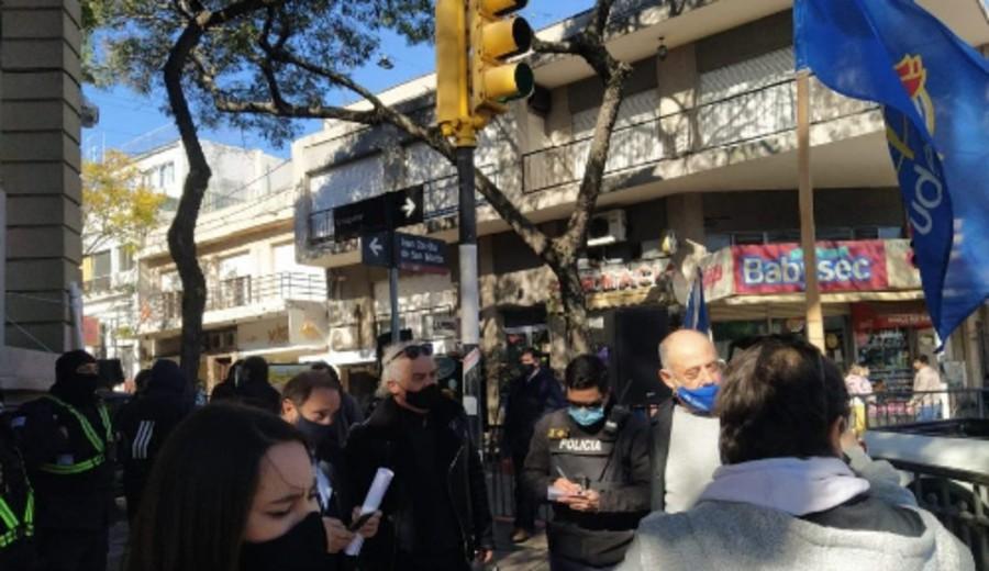 imagen de Banca oficial se moviliza en Montevideo y Canelones