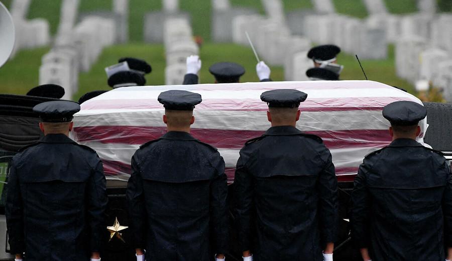 imagen de Instagram y Facebook censuran a la madre de un soldado muerto en Afganistán