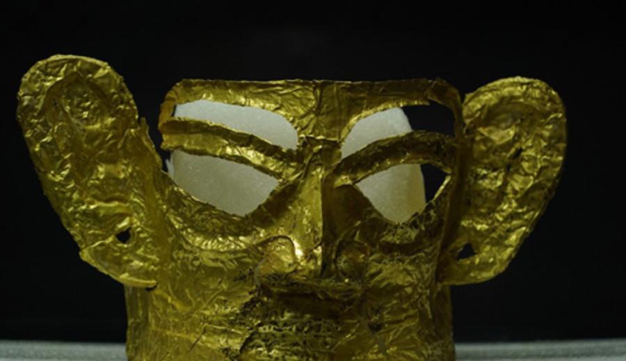 imagen de Qué conecta a la máscara de oro encontrada en China con la de Agamenón, Tutankamón y la de Xipe Totec